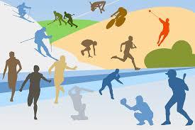COMO HACER DEL DEPORTE UNA ACTIVIDAD SALUDABLE Es una cuestión indiscutible que la práctica de alguna disciplina deportiva redunda en general en beneficio de nuestra salud, ahora bien de cómo se lleve a cabo va a depender que esa práctica sea realmente beneficiosa o que incluso pueda llegar a ser contraproducente. A continuación os dejo una serie de consejos que os ayudarán a hacer deporte con salud. 1) El deporte debe practicarse con regularidad: a. una actividad suave a diario, como por ejemplo caminar 30 minutos o b. una actividad intensa dos o tres veces por semana, como un partido de baloncesto. Lo que no es muy adecuado es llevar una vida totalmente sedentaria y un domingo pegarle un susto al cuerpo. 2) Hay que calentarlos músculos antes de hacer deporte y estirarlos después. Con ello se previenen lesiones tales como tendinitis, dolores etc. 3) No forzar el cuerpo: hay que empezar con suavidad y aumentar el ritmo poco a poco; no querer el primer día buscar tus límites. 4) Antes y después hay que hidratarse bien: lo que significa no sólo reponer agua sino también sales. En este sentido las bebidas isotónicas con recomendables. 5) Alimentarse bien a. De manera adecuada al deporte que se va a practicar. No es lo mismo jugar al golf que esquiar. b. De manera adecuada a la intensidad: no es lo mismo hacer marcha 40 minutos que correr una maratón. 6) Escoger bien el deporte; es decir que esté bien adaptado a la propia constitución física de uno. 7) Seguir todos estos consejos, guiados por especialistas o iniciados: médicos del deporte, deportistas experimentados, etc. Para finalizar hay que decir que unos deportes son más sanos que otros y todos tienen sus pros y contras…pero eso será materia para otros artículos. En cualquier caso, debe consultar con su médico de cabecera o traumatólogo.